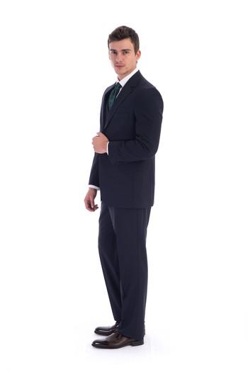 Erkek Giyim - Çizgili Yelekli Takım Elbise