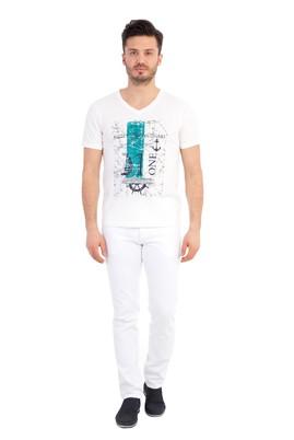 Erkek Giyim - Krem XXL Beden V Yaka Baskılı Regular Fit Tişört