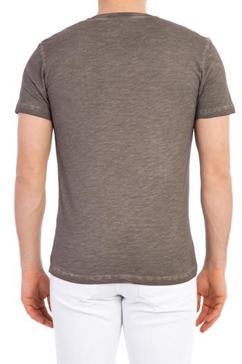 Erkek Giyim - V Yaka Baskılı Regular Fit Tişört