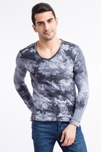 Erkek Giyim - V Yaka Desenli Sweatshirt