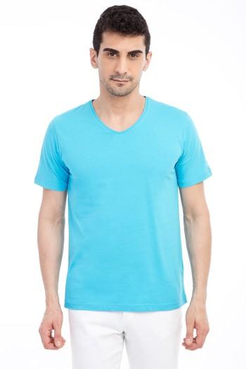 Erkek Giyim - V Yaka Regular Fit Nakışlı Tişört