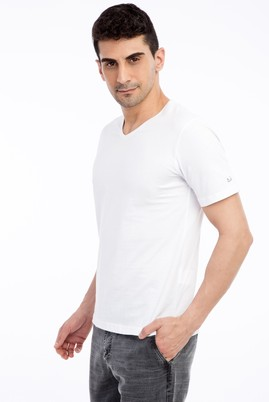 Erkek Giyim - Beyaz L Beden V Yaka Nakışlı Regular Fit Tişört