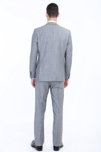 Erkek Giyim - Yünlü Çizgili Takım Elbise
