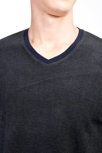 Erkek Giyim - V Yaka Desenli Slim Fit Sweatshirt
