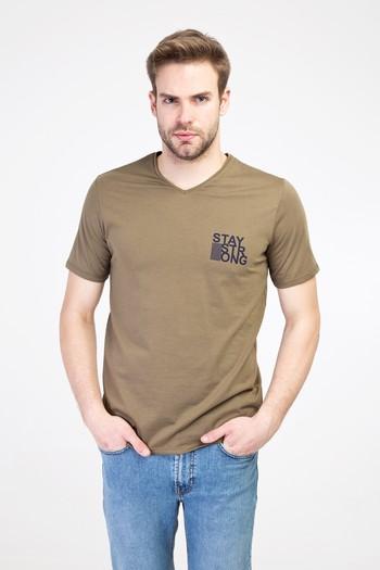 Erkek Giyim - V Yaka Slim Fit Baskılı Tişört