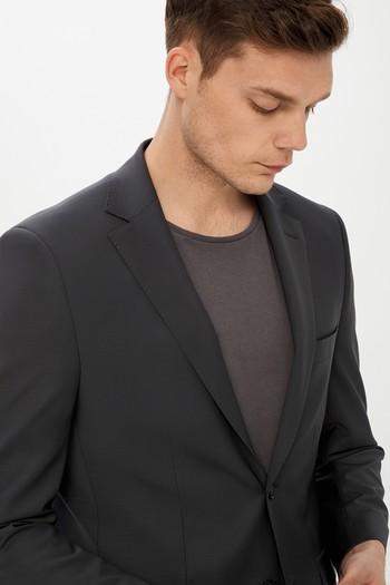 Erkek Giyim - Slim Fit BioParfume Takım Elbise