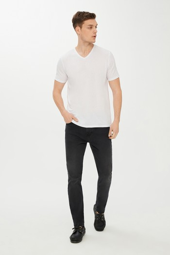 V Yaka Slim Fit Tişört