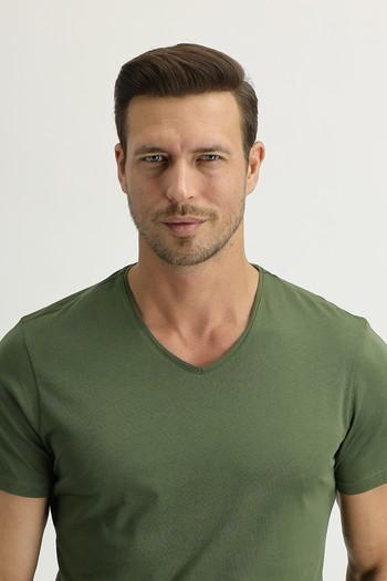 Erkek Giyim - V Yaka Slim Fit Tişört